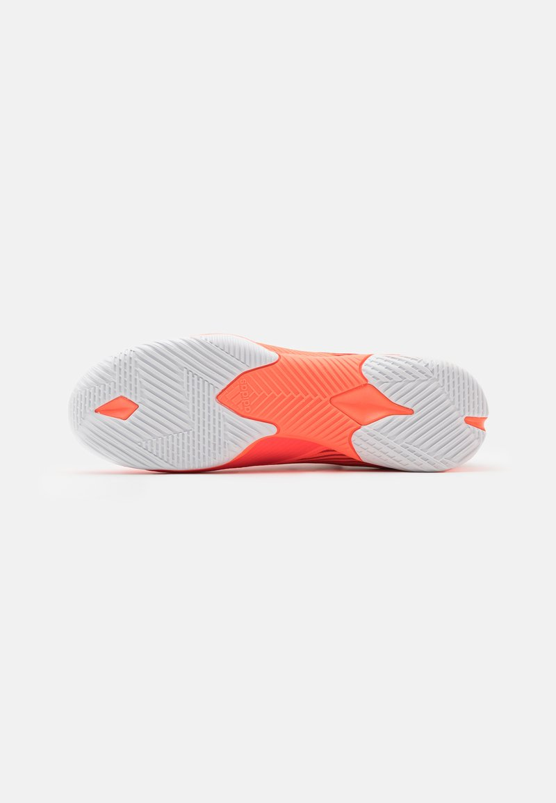 AAA-laatu adidas Performance NEMEZIZ 19.3 FOOTBALL SHOES INDOOR  Futsalkengät  signal coral/core black/glory red JUAjt
