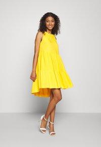 YAS - YASSENELA DRESS - Sukienka letnia - citrus - 1
