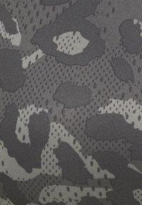 adidas Performance - Brassières de sport à maintien normal - grey - 5