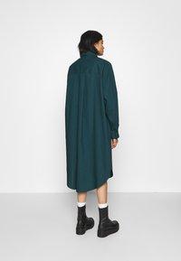 Monki - CAROL DRESS - Košilové šaty - dark green - 2