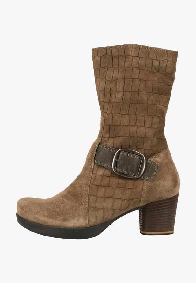 Platform boots - grunge/kombi 2000