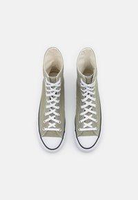 Converse - CHUCK TAYLOR ALL STAR LIFT - Baskets montantes - light field surplus/white/black - 6
