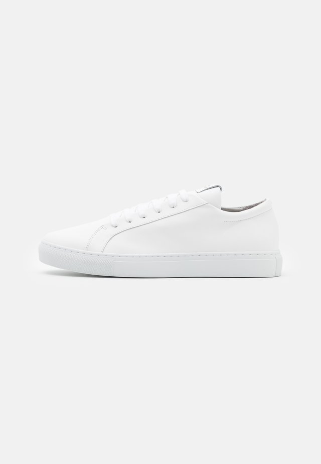 CPH4M - Trainers - white