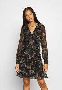 Vero Moda - VMJULIE SHORT DRESS - Day dress - black/julie - 0