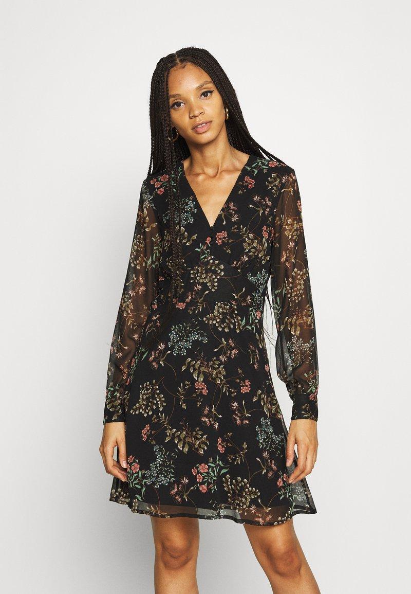 Vero Moda - VMJULIE SHORT DRESS - Day dress - black/julie
