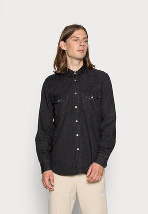EAST - Overhemd - black