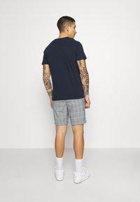 Jack & Jones PREMIUM - JJICONNOR - Shorts - blue - 2