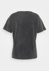 Pieces Curve - PCHANNA TEE - Print T-shirt - black - 7