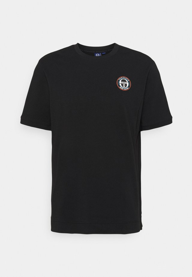 FIRE - Basic T-shirt - black