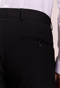 Tiger of Sweden - GORDON - Oblekové kalhoty - black - 4