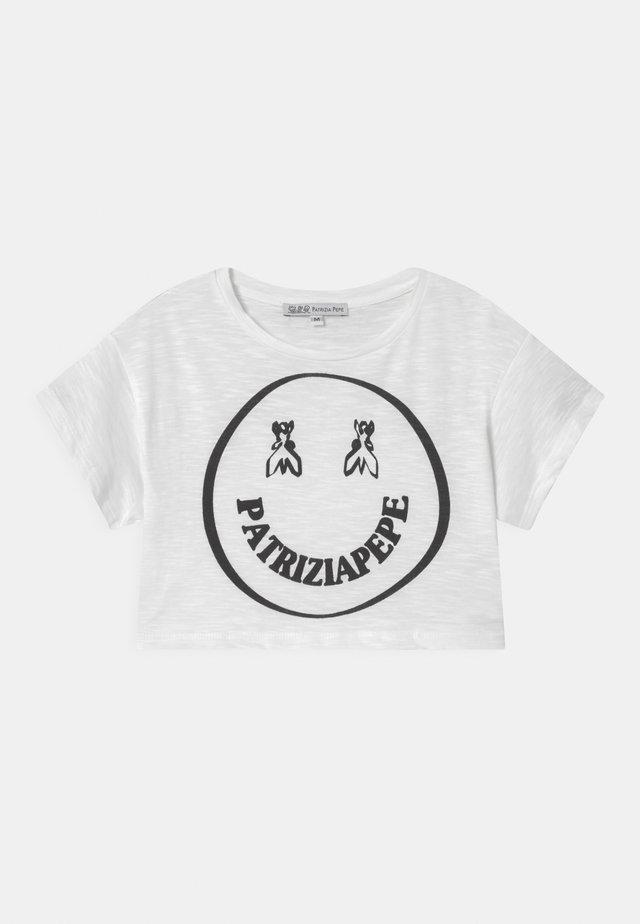 LET'S SMILE - Print T-shirt - white