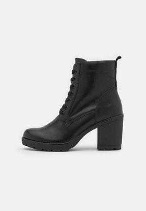 Veterboots - black antic