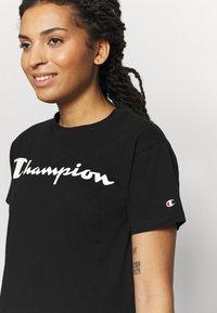 Champion - CREWNECK LEGACY - Camiseta estampada - black - 4