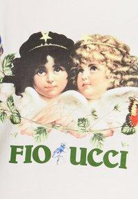 Fiorucci - WOODLAND VINTAGE ANGELS TEE  - Print T-shirt - white - 5