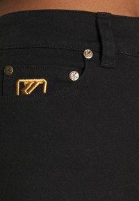 Karl Kani - Denim shorts - black - 4