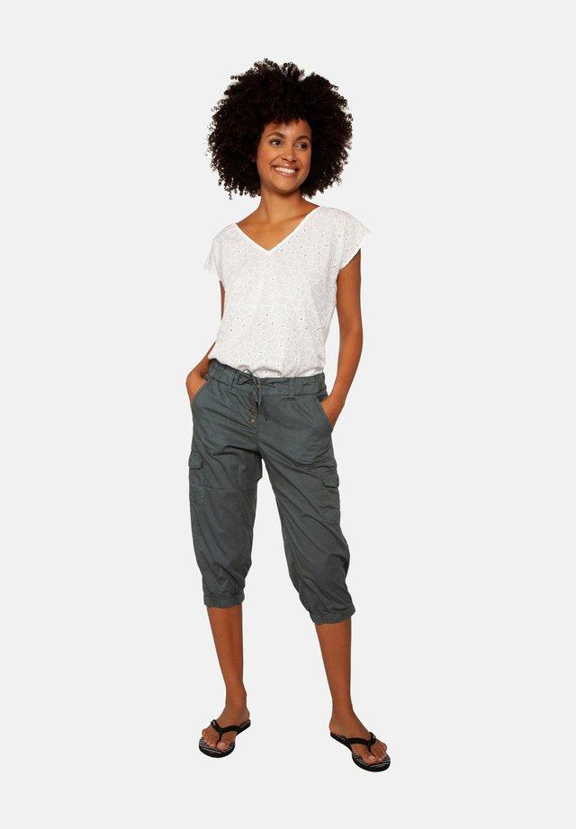 Shorts - grey day
