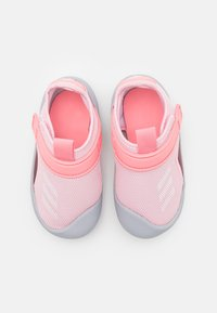 adidas Performance - ALTAVENTURE UNISEX - Sandály do bazénu - clear pink/footwear white/super pop - 3