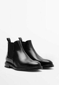 Massimo Dutti - CHELSEA AUS GEBÜRSTETEM  - Classic ankle boots - black - 1