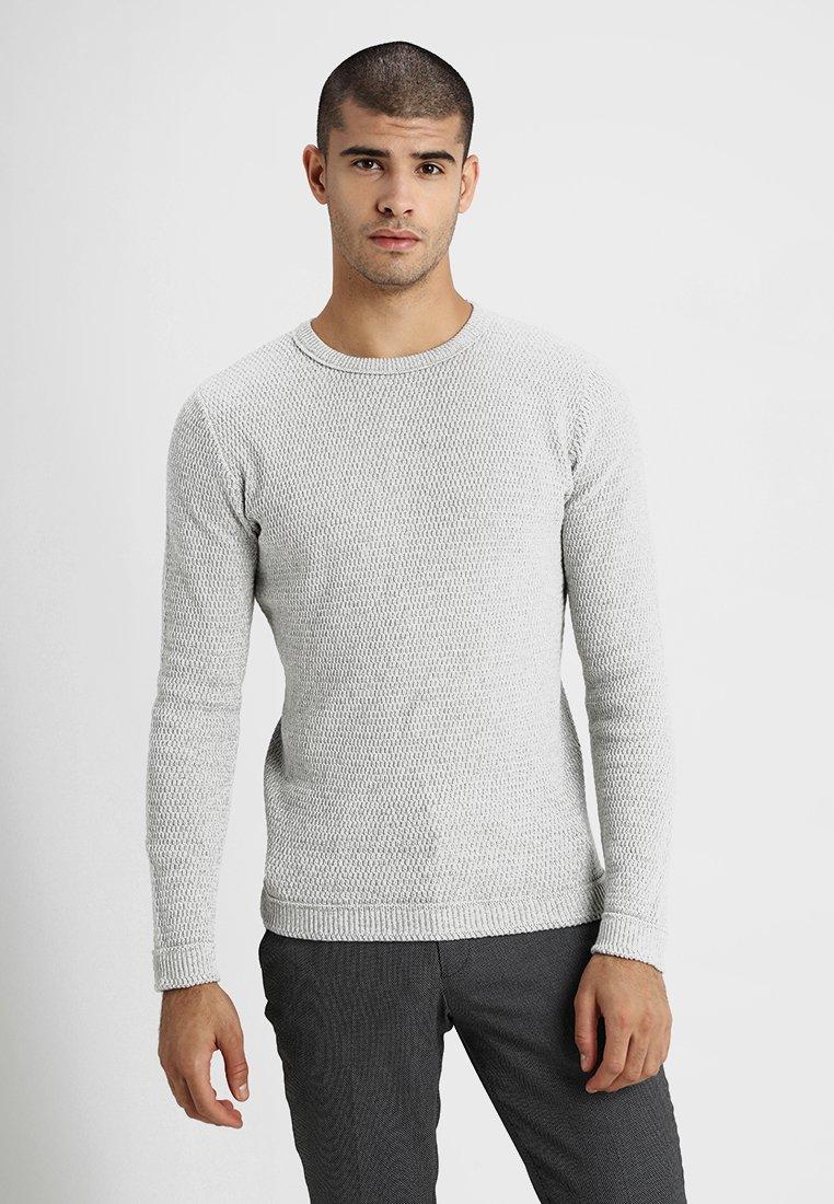Selected Homme - SLHVICTOR CREW NECK - Stickad tröja - light grey melange