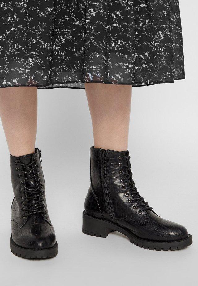 BIACLAIRE - Snørestøvletter - black