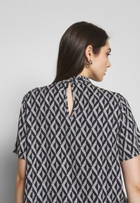 ONLY - ONLFALMA - Blouse - night sky/graphic space - 6