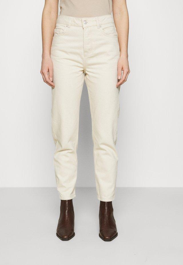 SLFFRIDA MOM - Straight leg jeans - creme