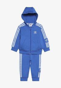 adidas Originals - NEW ICON HOODIE SET - Træningssæt - blue/white - 3