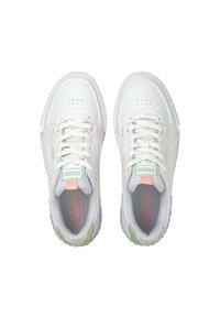 Puma - CALI SPORT PASTEL  - Baskets basses - white/elektro peach - 4