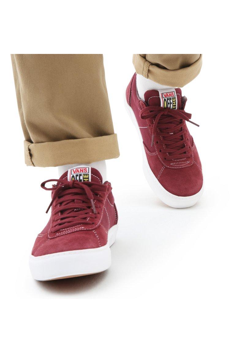 Vans - UA PARADOXXX - Sneakers - port/white