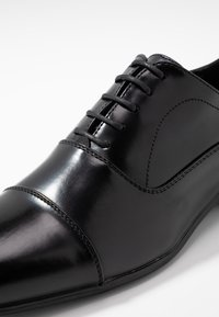 Pier One - Derbies & Richelieus - black - 5