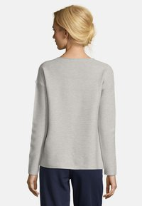 Betty & Co - MIT COLOR BLOCKING - Jumper - blue/silver - 2