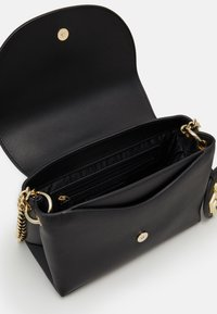 DKNY - DAYNA FLAP CBODY - Across body bag - black/gold - 3