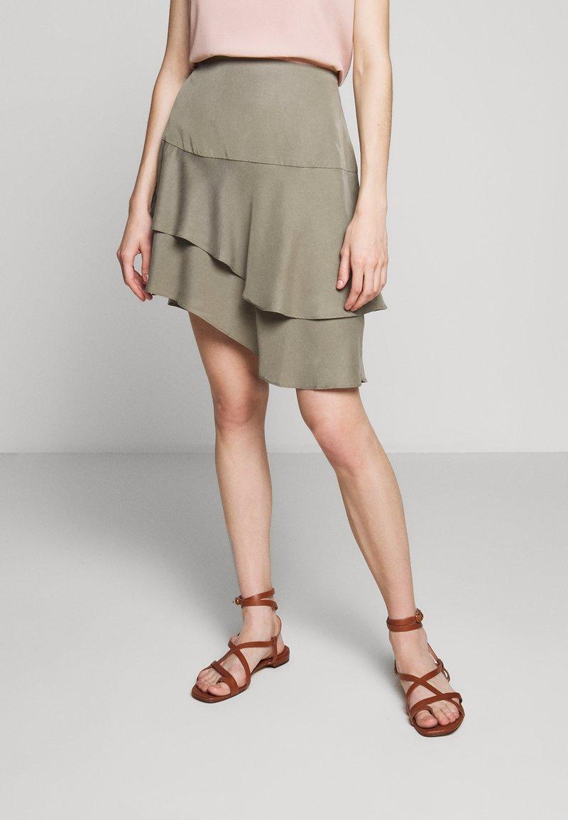 Bruuns Bazaar - LAERA DOLPHINE SKIRT - A-line skirt - olive tree