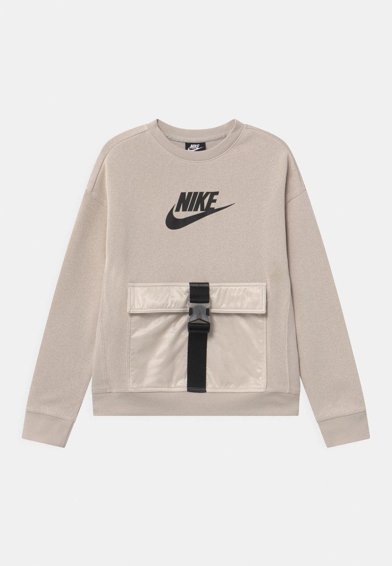 Nike Sportswear - UTILITY - Sweatshirt - desert sand/pale ivory