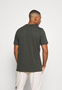 adidas Performance - ESSENTIALS SPORTS SHORT SLEEVE TEE - T-shirt med print - anthracite - 2