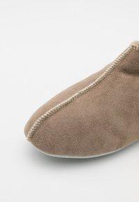 Shepherd - BONN UNISEX - Slippers - stone - 5
