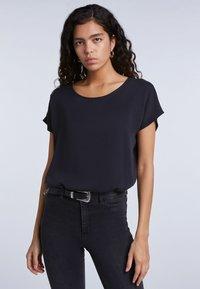 SET - Basic T-shirt - black - 0