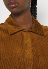 Carhartt WIP - FOY JAC - Summer jacket - tawny - 4