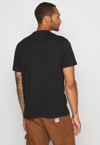 Mennace - LIGHTNING FAST TEE - T-shirt med print - black - 2
