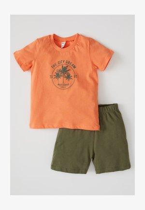 2 PIECE SET - Shorts - orange