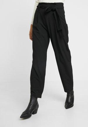 YASLORISA ANKLE PANT - Trousers - black