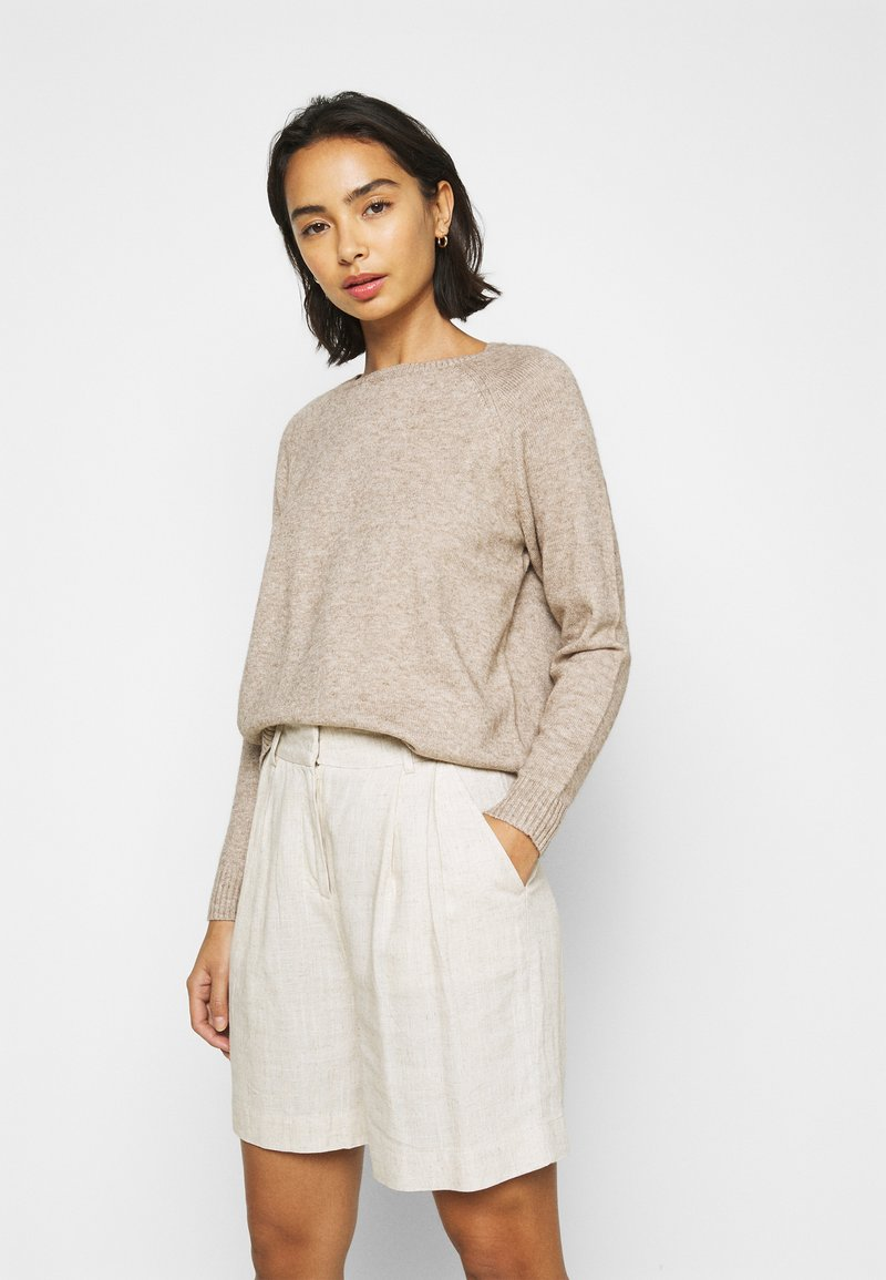 ONLY Petite - ONLLESLY KINGS - Jumper - beige/white melange