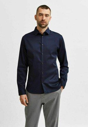 Formal shirt - navy blazer