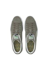 Puma - SUEDE CLASSIC - Trainers - steel gray-puma white - 2
