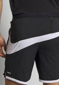 Nike Performance - Urheilushortsit - black/white/reflective silver - 4