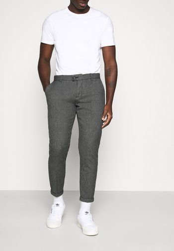 ERCAN CROPPED PANTS - Chino kalhoty - black grindel