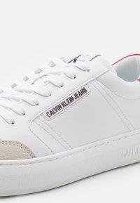 Calvin Klein Jeans - CUPSOLE LACEUP - Tenisky - bright white - 5