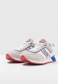 Colmar Originals - TRAVIS RUNNER - Sneakers laag - white - 2