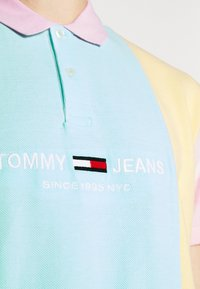 Tommy Jeans - COLORBLOCK  - Polotričko - aqua coast - 6