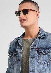CHPO - RUMI  - Sunglasses - turtle brown/green - 0